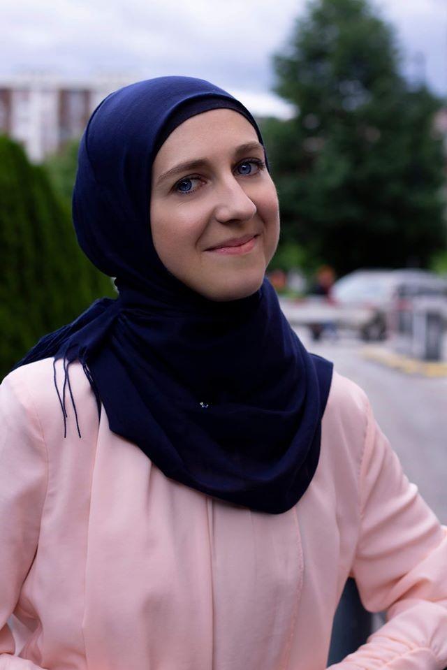 Elvedina Obuća, 27