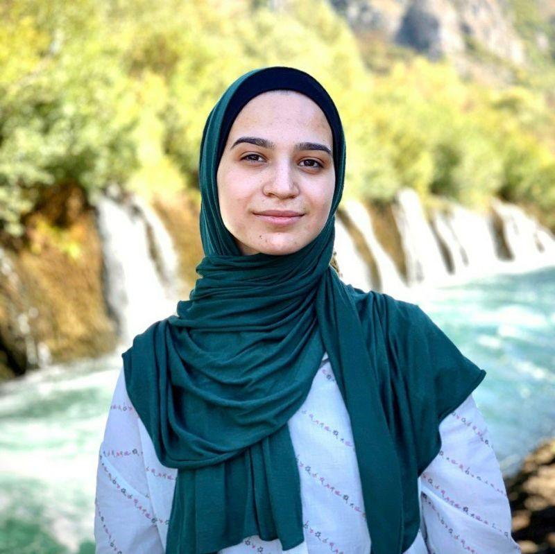 Zehra Al Maamari, 23
